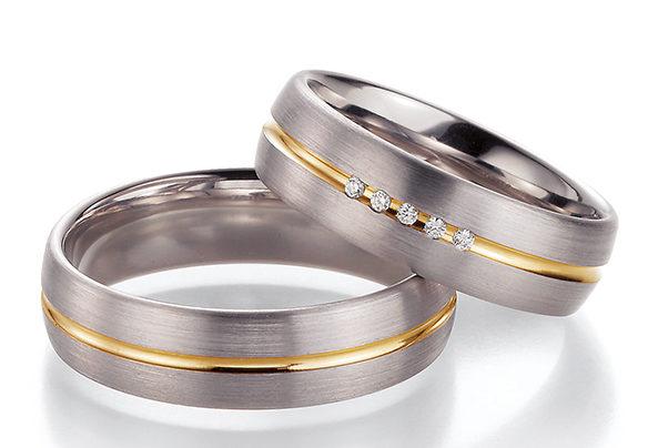 Silbergoldene Eheringe