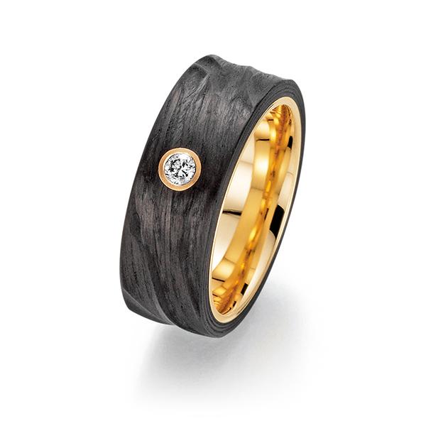 Schwarzer Ring mit Stein